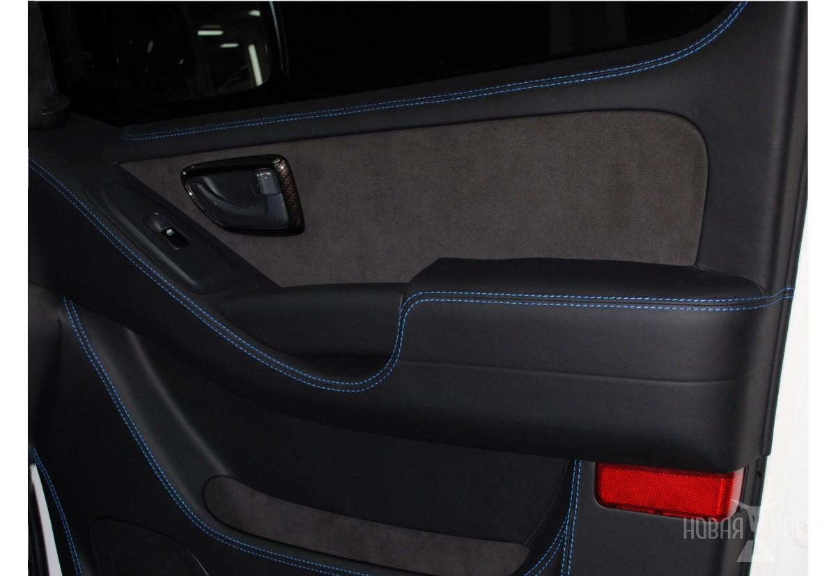 Перетяжка дверей автомобиля Хёндэ Мультван в автоателье «Новая Кожа»