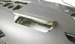 открытый клапан подушки безопасности на передней панели
